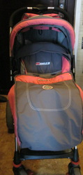 Продам универсальную коляску MONZA б.у., переноска и сумка в подарок