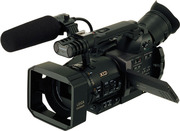 Продам проaессиональную видеокамеру Panasonic AG DVX100BE
