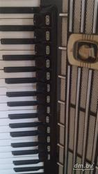 Продам аккордеон Weltmeister S5 готово-выборный