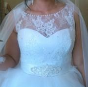 Свадебное платье расшитое